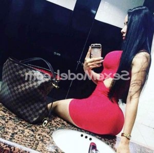 Nahia escorte massage érotique