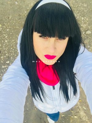 Fedoua escorte girl sexemodel
