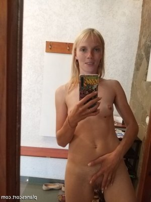 Daunia massage sexe sexemodel escorte girl à La Colle-sur-Loup