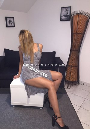 Jamella escort girl à Tomblaine