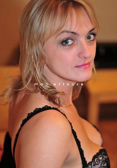 escort girl massage à Saint-Victoret 13